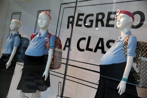Pregnant schoolgirl mannequins shock shoppers in Venezuela